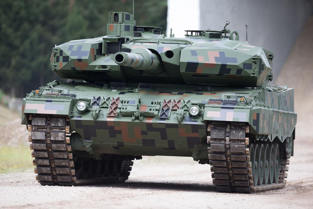 At MSPO 2016 Rheinmetall unveiled a pre-prototype of the upgraded Leopard 2 for Poland. (Photo Rheinmetall)