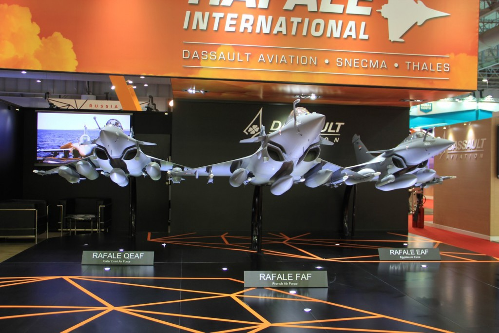 The Dassault stand proudly sported three large models of the Rafale to illustrate its three nation operators, Qatar, France and Egypt from left to right. © Eric H. Biass