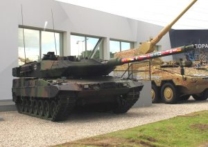 The la test version of the Leo2, the A7V, which is being proposed to the Bundeswehr. (P. Valpolini)