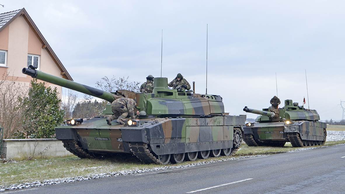 leclerc tanks and vbci apcs exercise in alsace in freezing temperatures