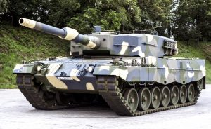 KMW-Leopard-2A4-Hungary_01-300x184.jpg